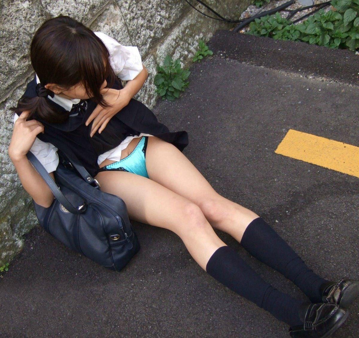 JKパンティ見せ 男「パンツ見せてくれるだけでいいから!」→JK「はい、どうぞ」っ ...